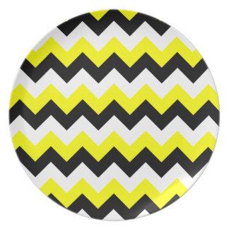 Zigzag blanco y negro amarillo plato de cena