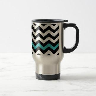 Zigzag blanco y negro clásico con azul claro taza térmica