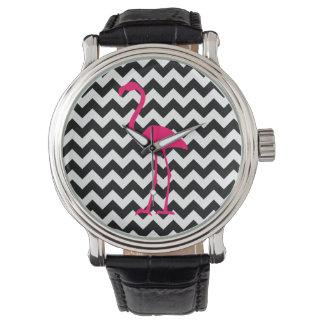 Zigzag blanco y negro del flamenco rosado reloj de mano