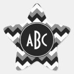 Zigzag blanco y negro gris con monograma pegatinas forma de estrellaes personalizadas