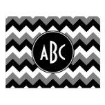 Zigzag blanco y negro gris con monograma tarjetas postales