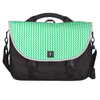 Zigzag - blanco y verde de la primavera bolsas de ordenador
