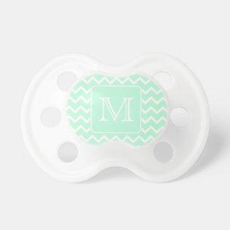 Zigzag de la verde menta con el monograma de encar chupetes para bebés