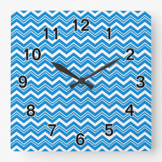 Zigzag de las azules turquesas y del blanco reloj cuadrado