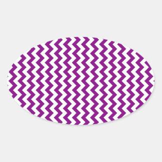 Zigzag de par en par - blanco y púrpura calcomanías óvales