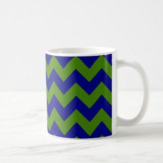 Zigzag del verde y de los azules marinos taza