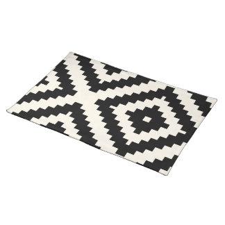 Zigzag Geometric Block Pattern Black Cloth Placemat