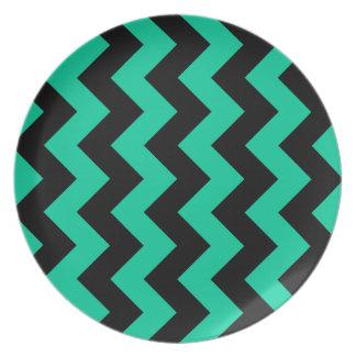 Zigzag I - Black and Caribbean Green Dinner Plates