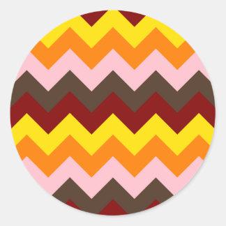 Zigzag I - Rojo oscuro, amarillo, anaranjado, Pegatina Redonda