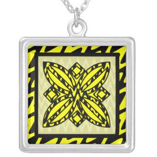 Zigzag negro y amarillo floral colgante cuadrado