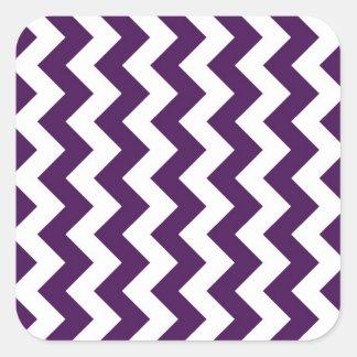 Zigzag púrpura y blanco calcomania cuadradas personalizada