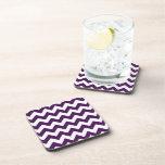 Zigzag púrpura y blanco posavasos de bebidas