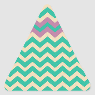 Zigzag rayado púrpura de la frontera pegatina triangular