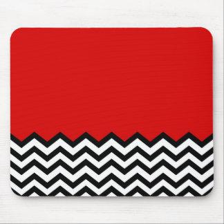 Zigzag rojo del sitio de Chevron de la casa de cam Tapete De Ratón