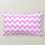 Zigzag rosado y blanco almohadas