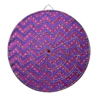 Zigzag rosado y púrpura del lunar tabla dardos