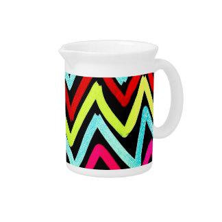 Zigzag tribal pintado colorido de Chevron de la di Jarras Para Bebida