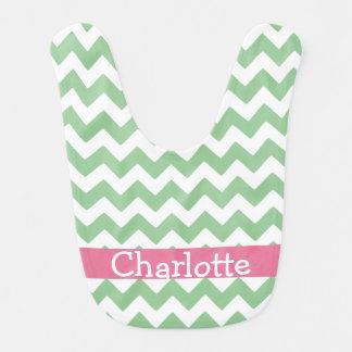 Zigzag verde y rosado de Chevron personalizado Baberos