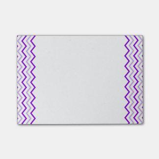 Zigzag vertical blanco violeta de Chevron Post-it Nota