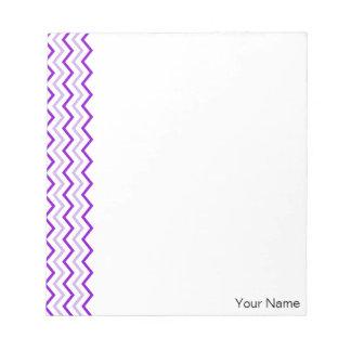 Zigzag vertical violeta de Chevron personalizado Bloc De Notas