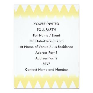 """Zigzags amarillos blancos y en colores pastel invitación 4.25"""" x 5.5"""""""