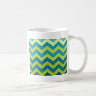 Zigzags amarillos y azules de Ombre Taza Clásica