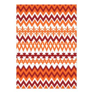 Zigzags aztecas de Chevron del modelo tribal anara Invitacion Personal