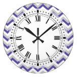 Zigzags azules púrpuras geométricos elegantes de C Reloj