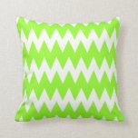 Zigzags de la verde lima almohada