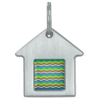 Zigzags del arco iris placa de mascota