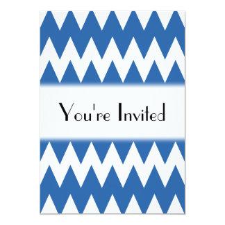 """Zigzags del blanco y de los azules marinos invitación 5"""" x 7"""""""