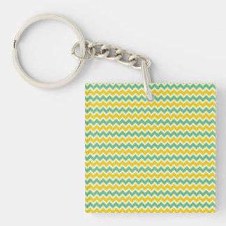 Zigzags del verde amarillo de Chevron de la fruta Llavero Cuadrado Acrílico A Doble Cara