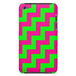 Zigzags diagonales verdes y magentas de neón, galo Case-Mate iPod touch protectores