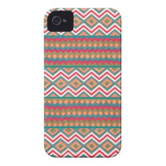 Zigzags frescos locos en los casos y las cubiertas Case-Mate iPhone 4 cárcasas