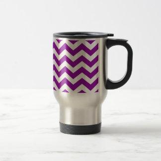 Zigzags púrpuras y blancos de la uva taza térmica