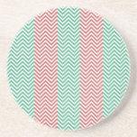 Zigzags rayados de color salmón y verdes de Chevro Posavasos Para Bebidas