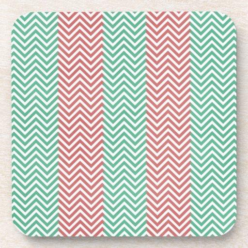 Zigzags rayados de color salmón y verdes de Chevro Posavasos