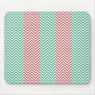 Zigzags rayados de color salmón y verdes de Chevro Tapetes De Ratón