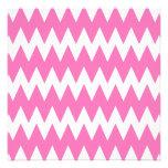 Zigzags rosados blancos y brillantes invitacion personalizada
