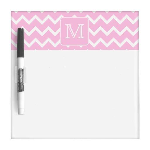 Zigzags rosados con el monograma de encargo pizarras