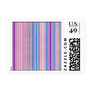Zigzags y rayas púrpuras y sombras azules timbre postal