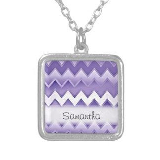 Zigzaguea simplemente la púrpura collar