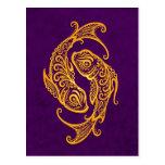 Zodiaco amarillo complejo de Piscis en púrpura Postales