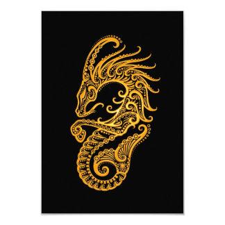 """Zodiaco amarillo complejo del Capricornio en negro Invitación 3.5"""" X 5"""""""