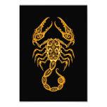 Zodiaco amarillo complejo del escorpión en negro invitaciones personales