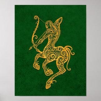 Zodiaco amarillo complejo del sagitario en verde posters