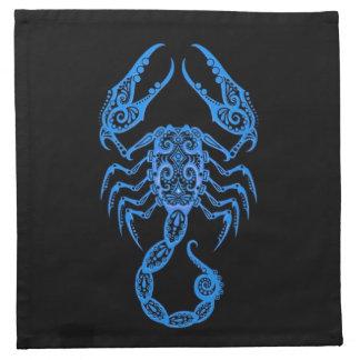 Zodiaco azul complejo del escorpión en negro servilletas