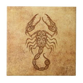 Zodiaco envejecido vintage del escorpión azulejo cuadrado pequeño