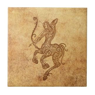 Zodiaco envejecido vintage del sagitario azulejo cuadrado pequeño