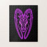 Zodiaco púrpura complejo del aries en negro rompecabezas con fotos